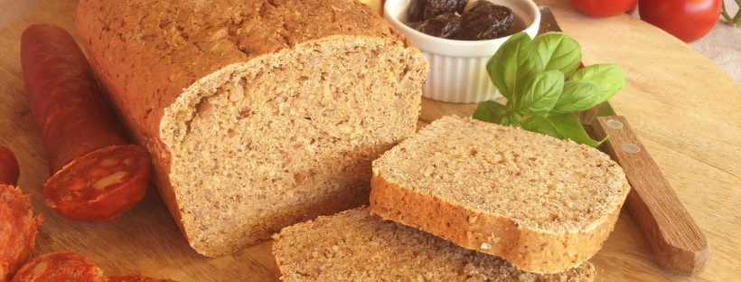 "alt=""High fibre whole grain bread"""