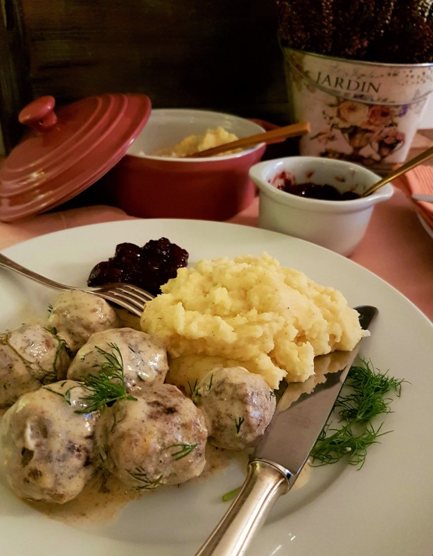 Swedish meatballs with Cranberry Tangerine sauce