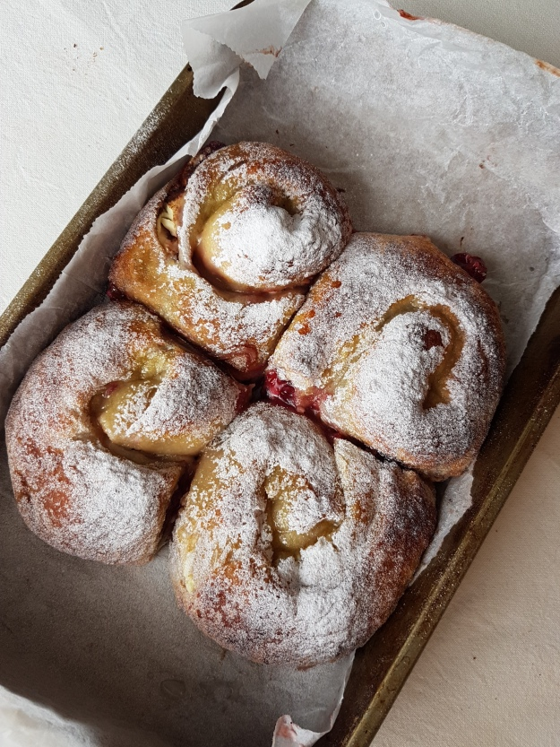 cranberry-cream-cheese-cinnamon-rolls27