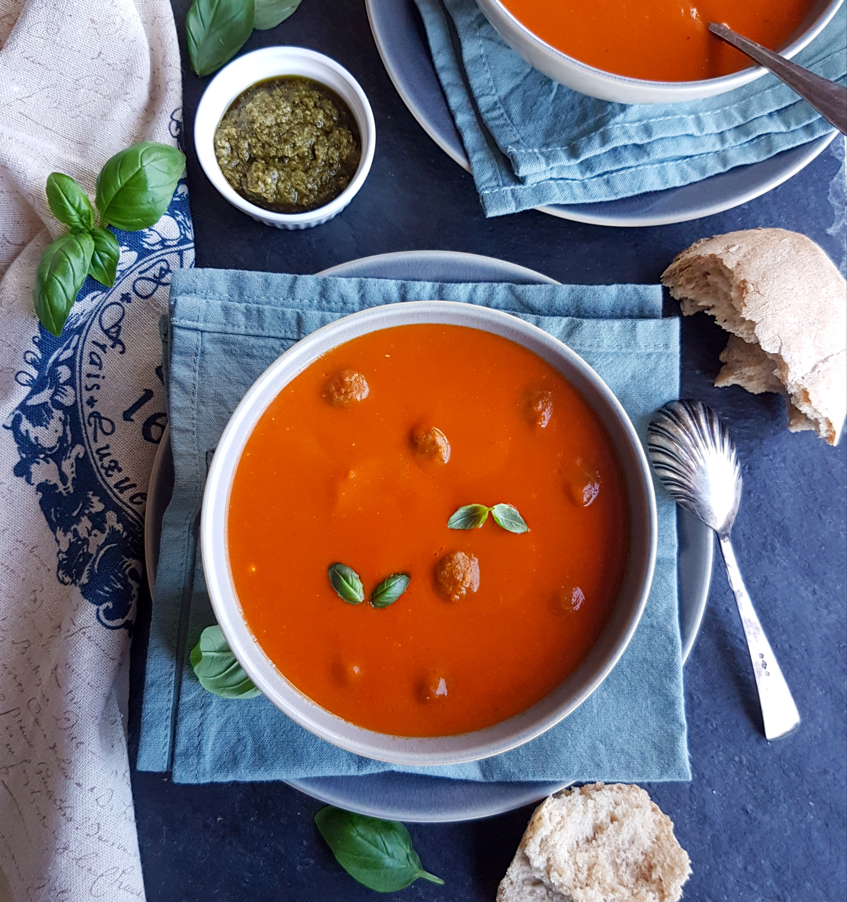 quick cream of tomato soup with basil