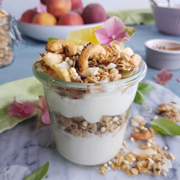 tropical granola pineappple-coconut-cashew