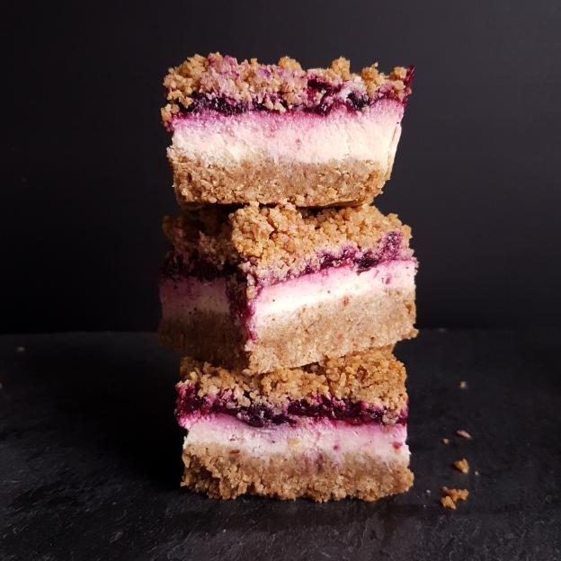 berry cheesecake crumble
